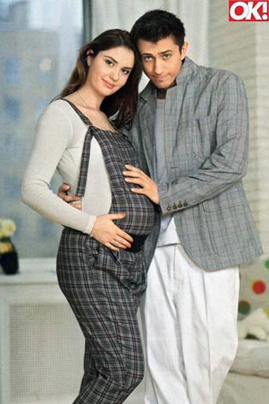 Агата Муцениеце беременна